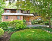 8 Pickering  Place, Dix Hills image