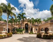 6923 Westchester Circle, Lakewood Ranch image