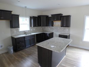 Granite counter tops in kitchen at 284 Westchase