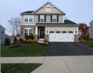 806 Balmoral Ct, Moon/Crescent Twp image