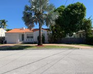 9033 Emerson Ave, Surfside image
