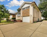 6866 North Crawford Avenue, Lincolnwood image