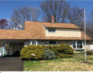 76 Ice Pond Road, Levittown image