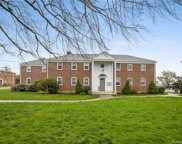 60 Robin  Road Unit B1, West Hartford image