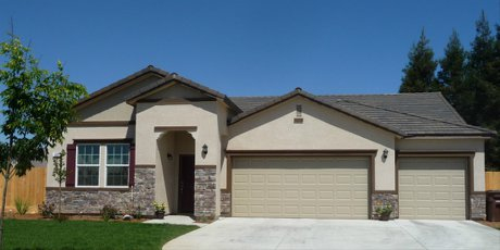 Sanger CA home in affordable neighborhood of homes