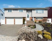 15 Pleasantview  Dr, Bayville image
