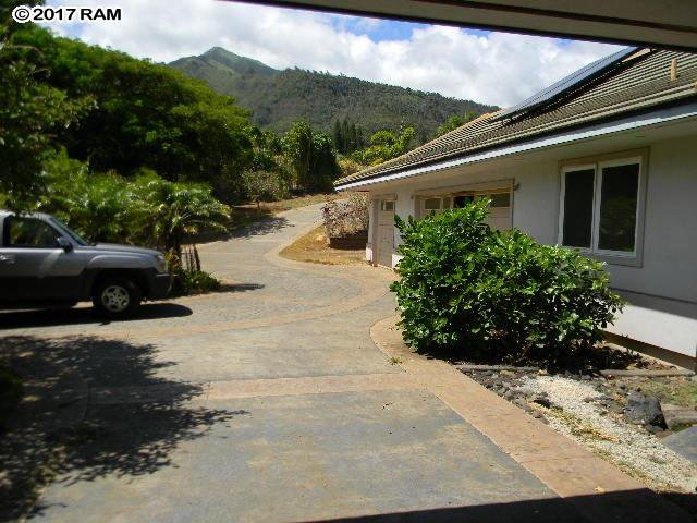250 maika wailuku 96793 hawaii for Koi pool fleetwood