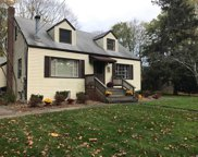 20 Taylor Ave, Greenlawn image