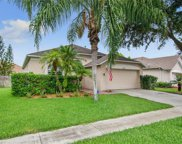 27423 Sky Lake Circle, Wesley Chapel image