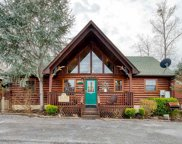 1612 Kissing Way, Sevierville image