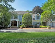 28 Shady Lane, Laurel Hollow image