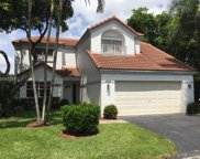 2693 Oak Park Cir, Davie image