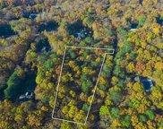 10 Van Scoys Path W, East Hampton image