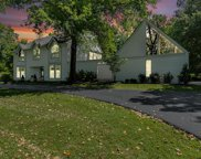 930 Revere  Drive, Town and Country image
