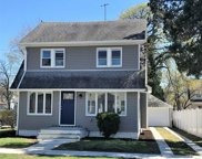 26 E Greenwich Ave, Roosevelt image