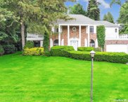 18 Bayside  Drive, Great Neck image
