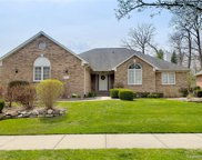 560 MISTY BROOK LN, Rochester Hills image