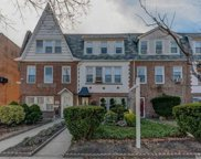 68-40 Clyde St, Forest Hills image