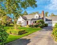 100 Fairview  Avenue, Bayport image