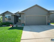 2704 S Grinnell Ave, Sioux Falls image