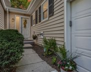 25 The Court Of Greenway, Northbrook image