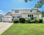 3704 Collector  Lane, Bethpage image