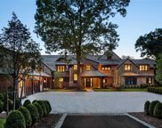 6 Lands End  Road, Locust Valley image