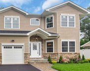 3315 Seneca Pl, Wantagh image