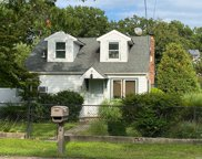 93 Coates  Avenue, Holbrook image