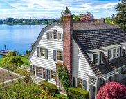 3027 W Laurelhurst Dr NE, Seattle image