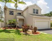 104 W Bayridge Dr, Weston image