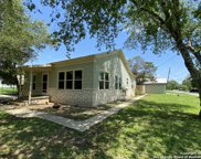 602 Howell Ave, Devine image
