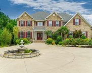 700 Apple Valley Road, Duncan image