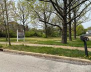 111 North Mosely  Road, Creve Coeur image