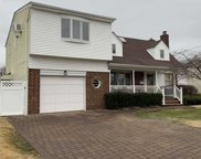 198 Guildford Ct, W. Hempstead image