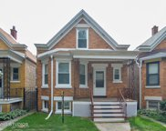2725 West Nelson Street, Chicago image
