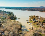 470 Lakeview Shores  Loop, Mooresville image