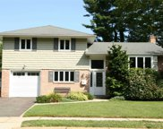 24 Michael Dr, Old Bethpage image