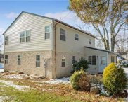 23 Dale Carnegie Ct, Great Neck image