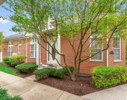 408 Commons Circle, Clarendon Hills image