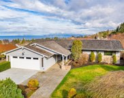 1131 Emerald Hills Dr, Edmonds image