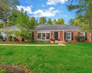 120 Spring Gate  Drive, Chesterfield image