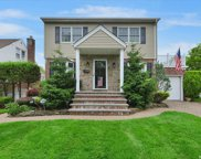 1685 New Hyde Park  Drive, New Hyde Park image