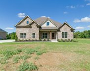 3065 Wedgewood Dr, Greenbrier image