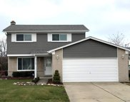 37762 Huron Pointe Dr, Harrison Twp image