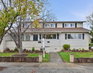 2704 Roosevelt Ave, Redwood City image
