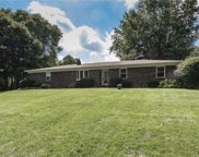 810 EAGLEWOOD Drive, Zionsville image