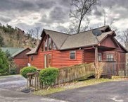 1616 Kissing Way, Sevierville image