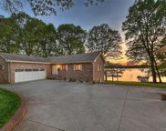 344  Lakeview Shores Loop, Mooresville image
