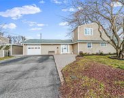 23 Twisting  Lane, Wantagh image